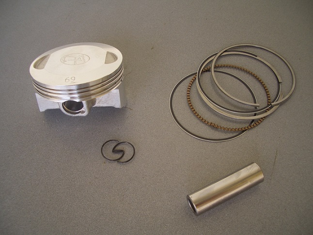 "Piston ""R"" 50.0-70.0mm/15mm Pin"